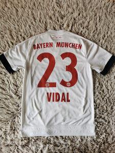 Dres Bayern Munchen, Minhen - Vidal