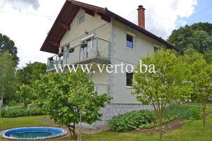 KUCA, SLAVINOVICI, TUZLA, 495 m2