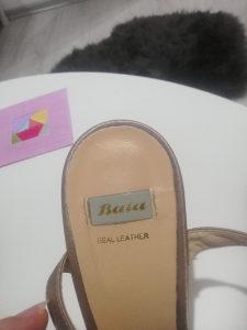 Sandale i stikle