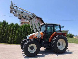Traktor STEYR 975