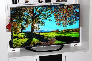 """LG Smart TV 55"""" Full HD LED 3D Wi-Fi Youtube IPTV"""