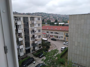 Aneks kod suda BiH jednosoban fino opremljen stan