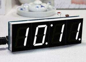 Bijeli digitalni LED Sat mikrokontroler sastavljanje