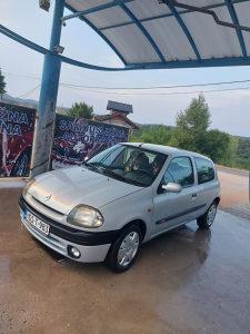 Renault Clio 1.4Benzin Registrovan.Moze zamjena uz moju