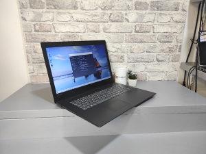 "Laptop Lenovo 17"", i5 8250U, 8GB DDR4, 256 SSD"
