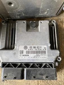 Kompjuter motora 03G 906 013 M