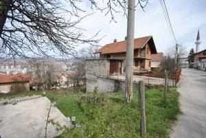 SARAJEVO prodajem kucu i plac zemljiste u Sarajevu