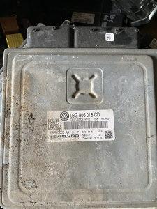 Kompjuter motora 03G 906 018 CD