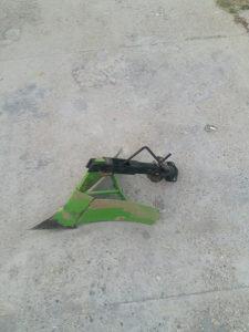Plug za motokultivator