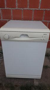 Mašinu za suđe Beko