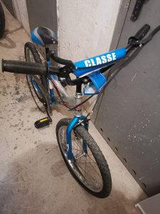 Prodajem Djecije Biciklo