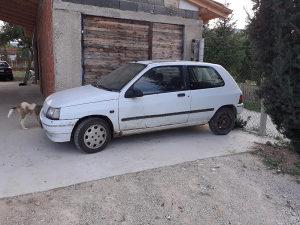 Renault Clio 1.2 benzin ispravan a može i u djelove