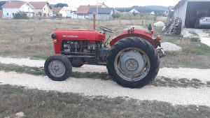 Traktor IMT-539