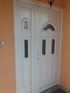 Ulazna PVC vrata i komodu