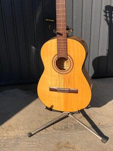 Klasicna gitara spanska