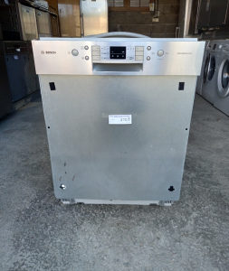 Mašina za suđe ugradbena