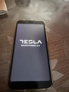 Tesla mobitel
