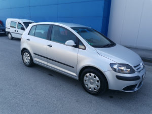 Volkswagen Golf registrovan do 7.22. Plin
