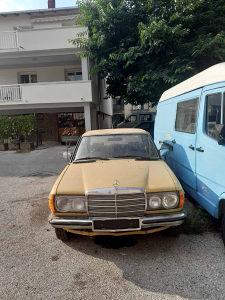 Mercedes-Benz 123 1982 god.