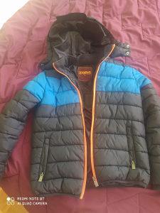 Prodajem jaknu  za dječakae
