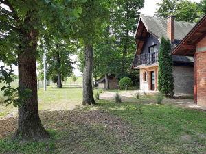 Vikend kuća u Romanovcima na placu 2000m2