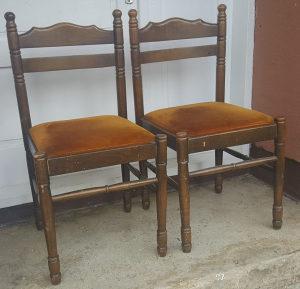 Dvije stolice trpezarijske kvalitetne