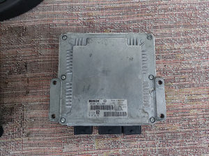 Citroen c8 motorni procesor 2.0 hdi 065 729 180