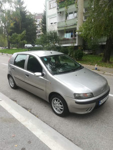 Fiat Punto 1.2 BENZIN 2002 GOD REG.8/2022 KLIMA 4 VRATA