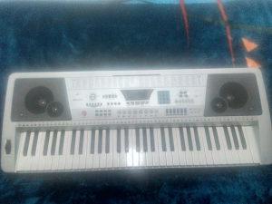 Klavijatura sintisajzer