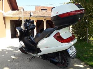 Motor Honda Foresight