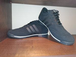 Patike Adidas vl. 44