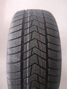 285/45 19 TRACMAX 285/45R19 4X4 SUV ZIMSKE GUME R19 R 1