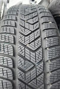 Gume 215 65 17 zimske Pirelli 4 komada