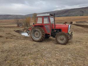 Traktor imt 577 dv