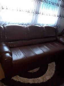 Prodajem trosjed dvosjed i fotelju nije koristeno