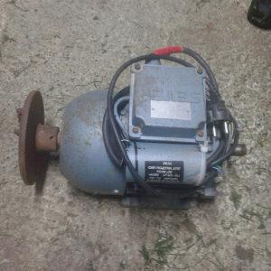 Motor za prekrupač