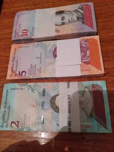 300 novcanica Venecuele