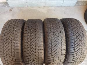 Gume 205 55 16 zimske Bridgestone 4 komada