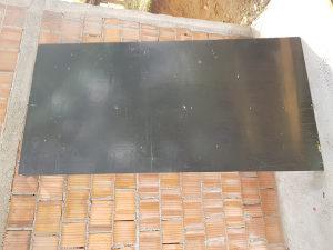 Triplax plate crne 250x125 cm 18 mm